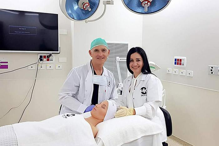 ייעוץ לפני ניתוח מתיחת פנים